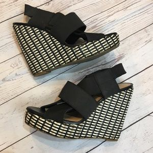 LUCKY BRAND Black & Tan Woven Wedge Sandals